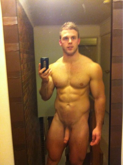 Perfect body and dick from a horny stud | | Spycamfromguys ...